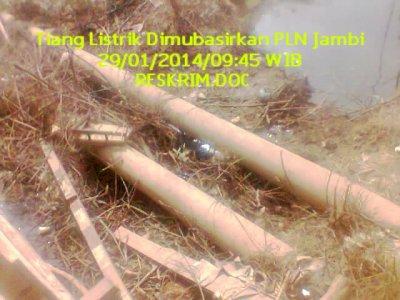 Sejumlah Tiang Listrik Beton Yang dimubasirkan pihak PLN Kota Jambi