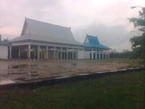 Terminal Angkutan Desa Sejinjang yang nampak lengan dan tidak dipedulikan Pemerintah Kota Jambi