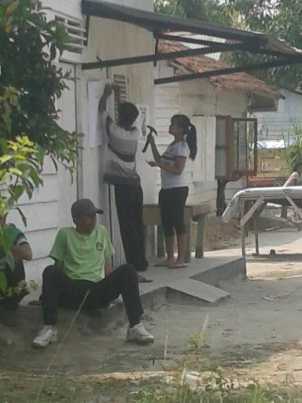 Pemasangan Atribut GBRK dan DPD KNPI Kota Jambi Di rumah warga Kelurahan Talang Bakung Kecamatan Jambi Selatan