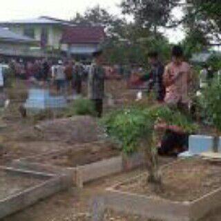 Pemakaman Almarhumah TMH Di Desa Rawa Pudak Kabupaten Muaro Jambi