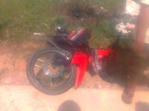 Kondisi motor yang ditabrak oleh mobil pajero pada 25/06/2015/10:25 WIB.RESKRIM.Doc