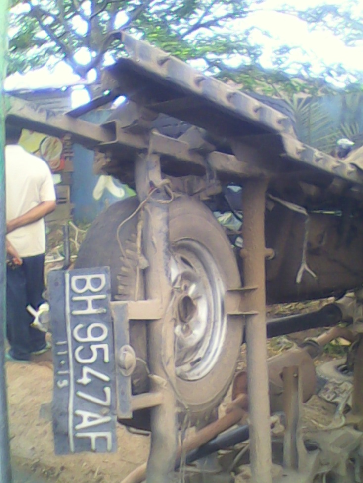 Box terpisah dari body mobil L-300 dengan Nopol BH 9547 AF.RESKRIM.Doc