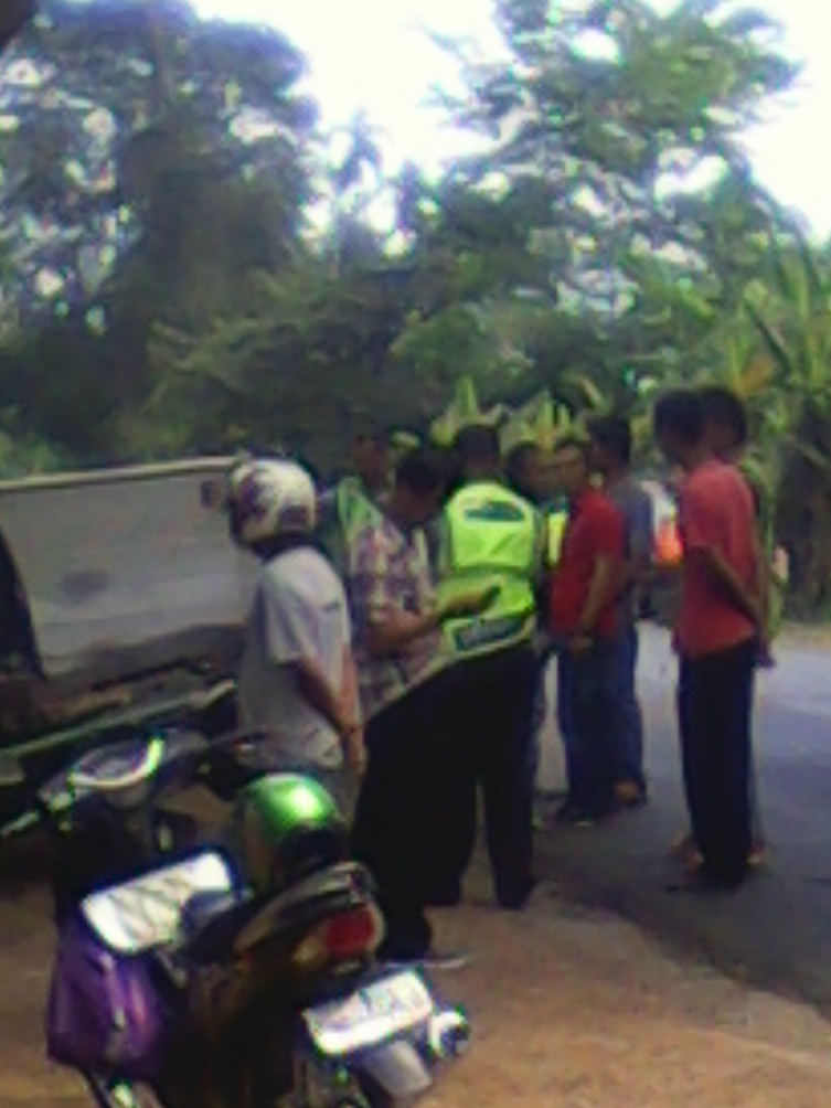Pihak Patroli Jalan Raya ( PJR ) tiba sekira pukul 11:27WIB/24/06/2015 di TKP.RESKRIM.Doc