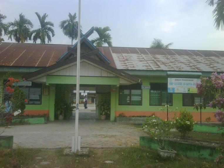 Sekolah SMPN 15 Kota Jambi.RESKRIM.Doc