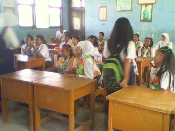 STUDENT ORIENTATION IS BEING desire of NEW STUDENTS SMPN 15 JAMBI  ( ORIENTASI SISWA YANG MENJADI IDOLA SISWA-SISWI BARU SMPN 15 KOTA JAMBI  )