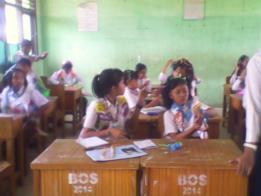 Siswa-Siswi Baru dalam masa orientasi merasa comfort menjalani masa orientasi siswa ( MOS ).RESKRIM.Doc