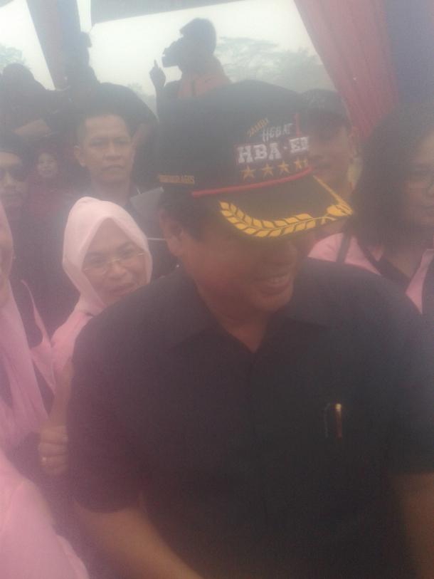 H.Hasan Basri Agus ketika menghadiri apel siaga Hari Sumpah Pemuda 28/10/2015/16:25WIB di Taman Rimba arena MTQ Jambi.RESKRIM.Doc