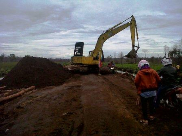 ELEVEN POINT RIVER PROPERTY stockpiling ENTREPRENEURS IN JALUKO Muaro Jambi