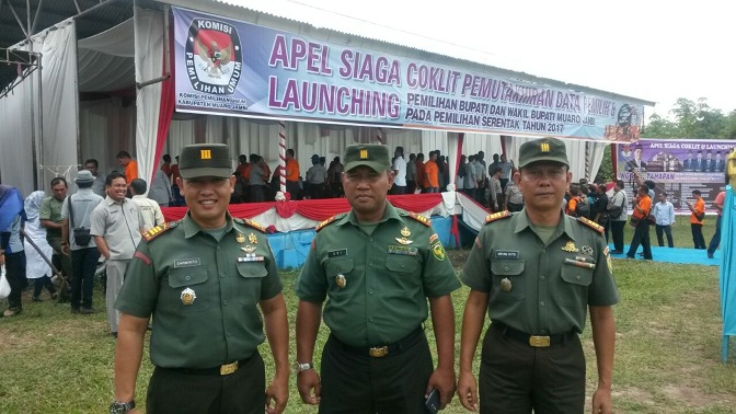 Danramil 415-05 / Sengeti FOLLOWING THE CEREMONY OF ALERT COKLIT DATA UPDATES AND LAUNCHING ELECTION VOTERS HEAD AND DEPUTY HEAD OF DISTRICT Muaro Jambi 2017.